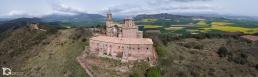 Fotografía aérea con drone de Basílica San Gregorio Ostiense (Sorlada) by yongarin.com